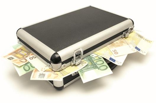 кейс с валютой