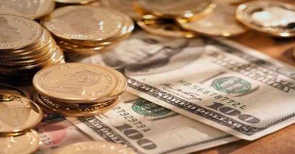 доллары с монетами