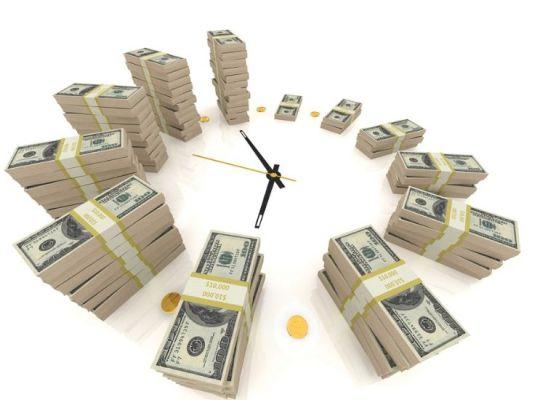 часы из долларов