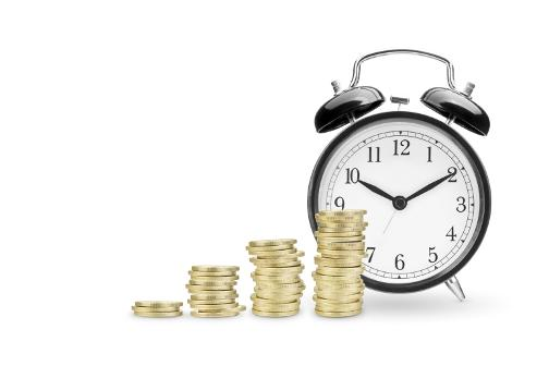 будильник с монетами